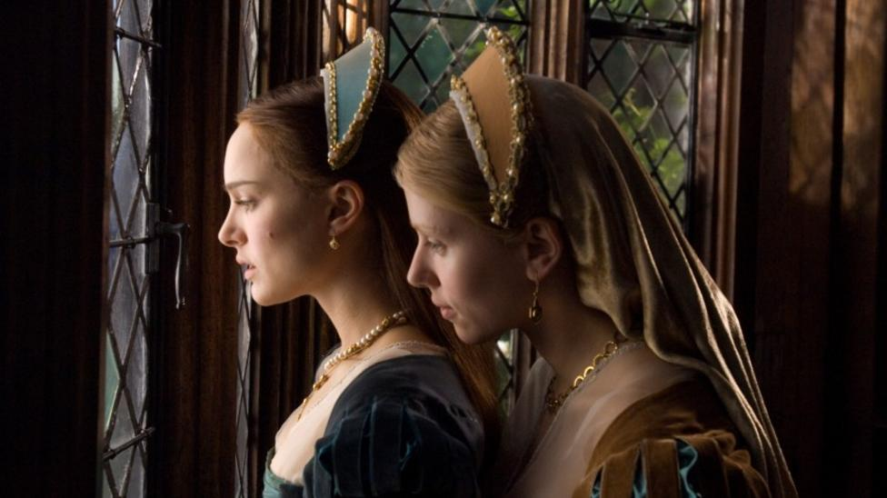Natalie Portman and Scarlett Johannson in The Other Boleyn Girl