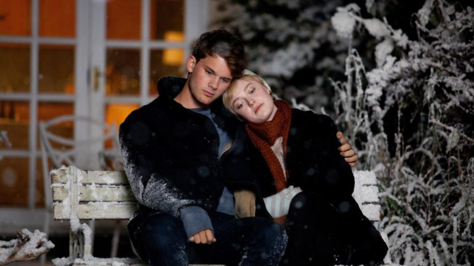 Jeremy Irvine and Dakota Fanning in Now Is Good