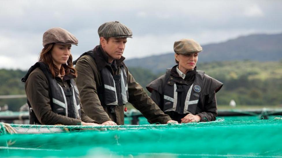 Emily Blunt, Ewan McGregor and Kristin Scott-Thomas in Salmon Fishing In The Yemen