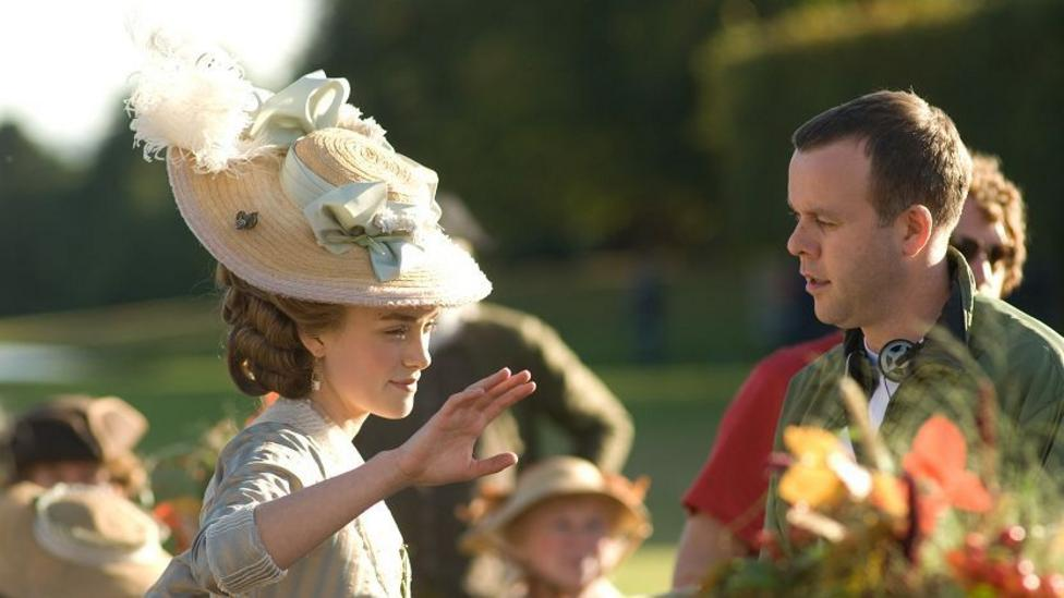 Director Saul Dibb and Keira Knightley on the set of The Duchess
