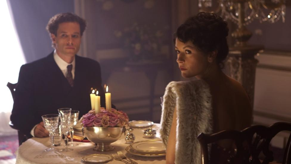 Guy Pearce and Catherine Zeta Jones in Death Defying Acts