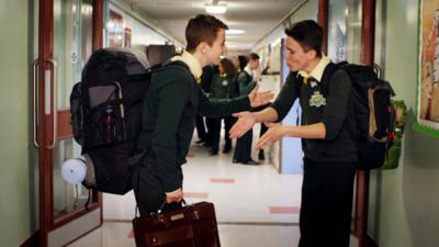 4 O'Clock Club - Eli steals Mr Bell's briefcase