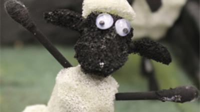 Blue Peter - Make your own Shaun the sheep farmyard