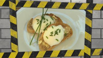 Disaster Chefs - How to make poached eggs