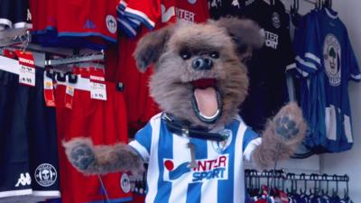 MOTD Kickabout - Hacker Visits Wigan Athletic F.C.