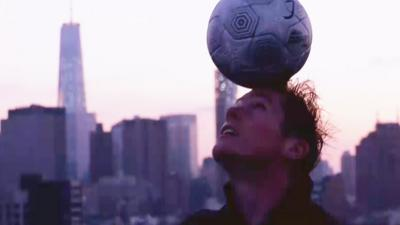 MOTD Kickabout - Freestyle in the Big Apple… with an apple