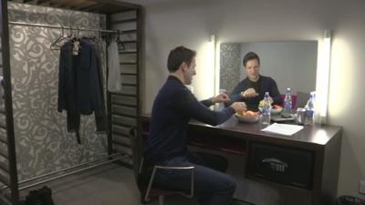 Sport Relief Does Glee Club 2014 - John and Sisco show off their Dressing Rooms