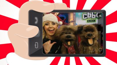 CBBC HQ - How to take the perfect Christmas selfie