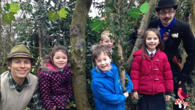 Mr Bloom: Here and There - Here and There - Secret Garden