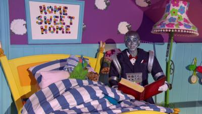 Justin's House - The Giant Magical Robot Bedtime Story
