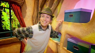 Dancing Beebies - Mr Bloom Helps Out