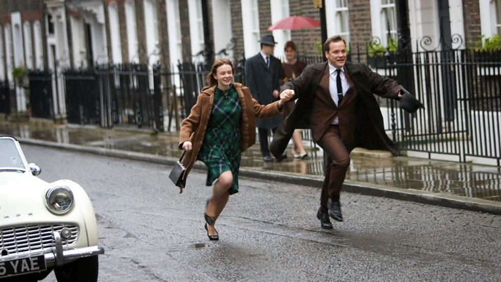 Carey Mulligan and Peter Sarsgaard in An Education