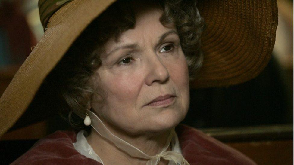 Julie Walters in Becoming Jane