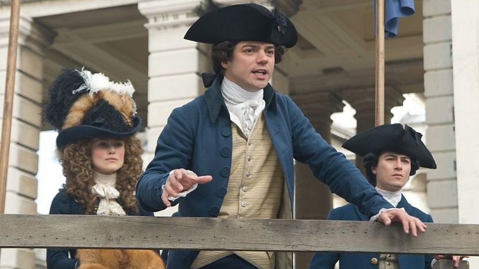 Keira Knightley and Dominic Cooper in The Duchess