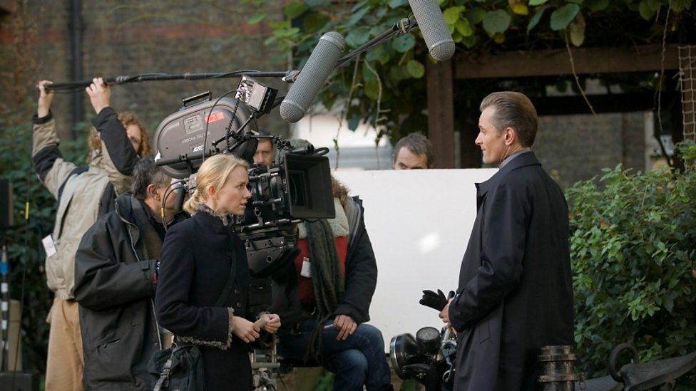 Naomi Watts and Viggo Mortensen on the set of Eastern Promises