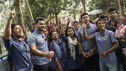 Cricket aid: Bangladesh stars help out waterlogged village