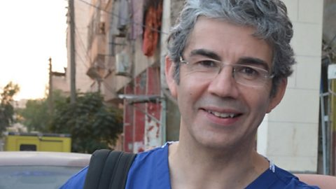 From West Wales to war zone - how Welsh roots shaped pioneering surgeon David Nott