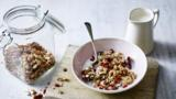 Oat, maple and pecan granola