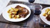 Steak Maman Blanc with sautéed potatoes