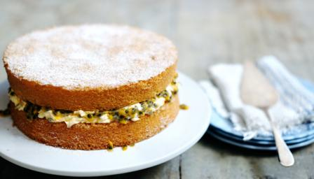 A classic sponge cake (with passion fruit filling)