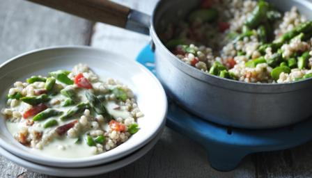 Asparagus with pearl barley and bacon