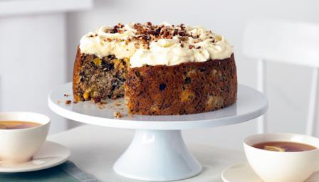This carrot cake brings you a taste of the Caribbean. Tropical fruit ...