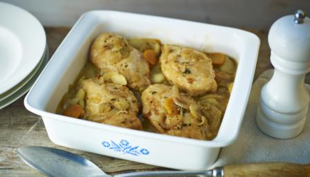 Chicken, cider and apple casserole
