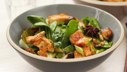 Chicken stir-fried with pak choi