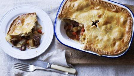 Corned beef and onion pie