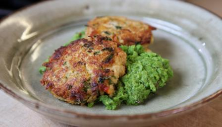 Crab cakes and crushed peas