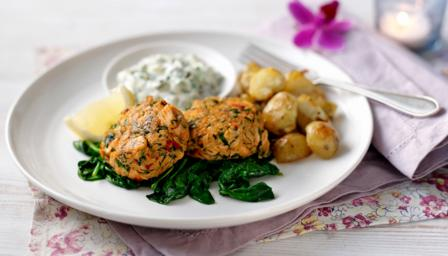 Crab and salmon fishcakes with homemade tartare sauce