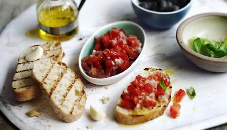 Fresh tomato salsa (with bruschetta variations)