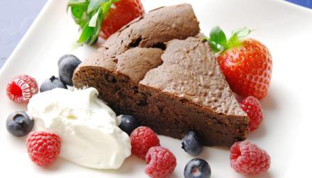 Gooey chocolate mousse cake