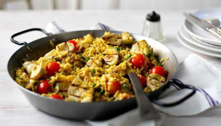 Griddled artichoke and red onion paella