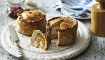 Hand-raised chicken and bacon pie