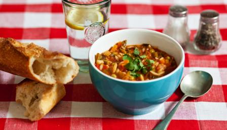 Kids' minestrone soup