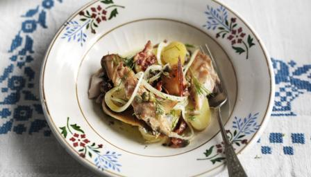 Mackerel and bacon salad