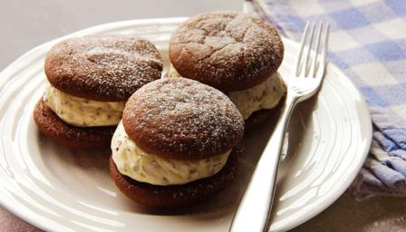 Fun chocolate biscuits sandwiched with homemade ice cream - a mint ...
