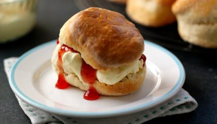 Paul Hollywood's scones