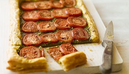 Quick tomato and basil tart