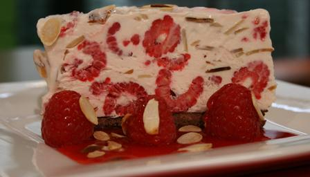 Raspberry freezer cake