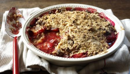 Ruby-red plum and amaretti crumble
