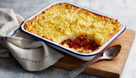 http://ichef.bbci.co.uk/food/ic/food_16x9_448/recipes/shepherdspie_2077_16x9.jpg