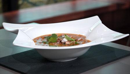 Smoked chicken mulligatawny soup