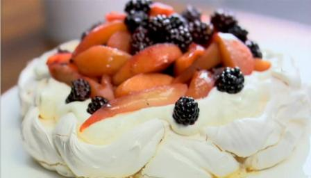 Spiced blackberry, pear and apple pavlova 