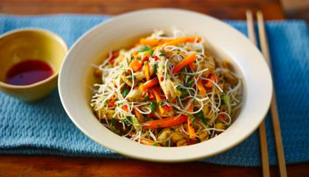 Steamed Thai chicken noodle salad