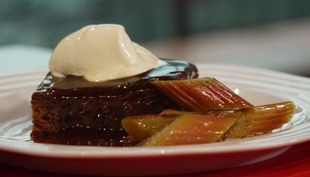 Sticky toffee and ginger cake
