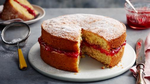 victoria sponge recipe - picture of the finished product