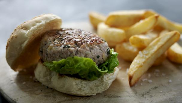 Bunny burgers with chunky chips