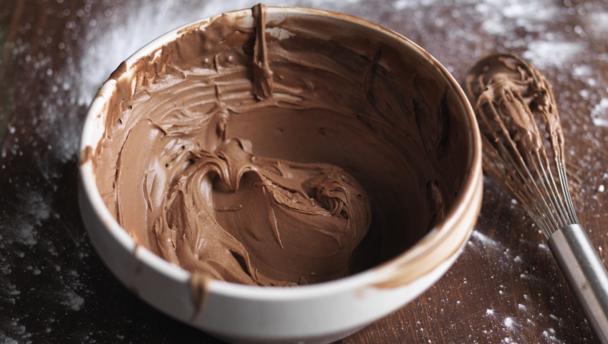 Vegan chocolate fudge icing